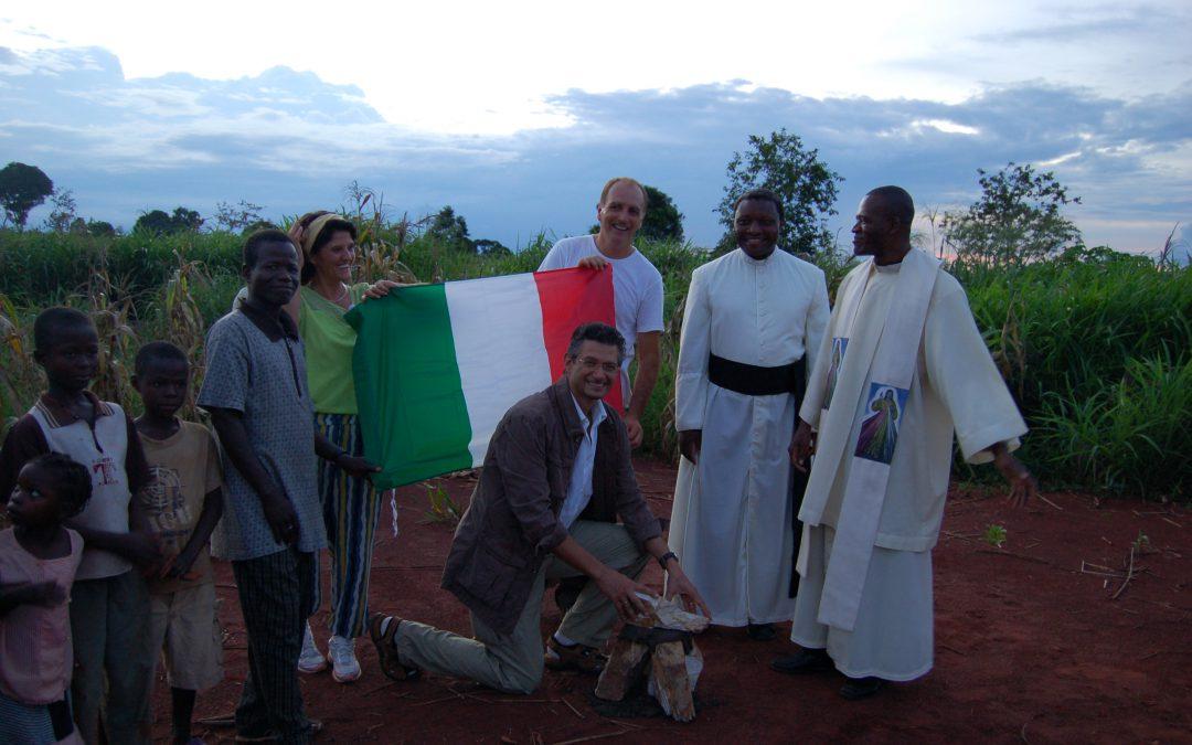 2007 – Prima pietra Poliambulatorio Bangui ed inizio lavori